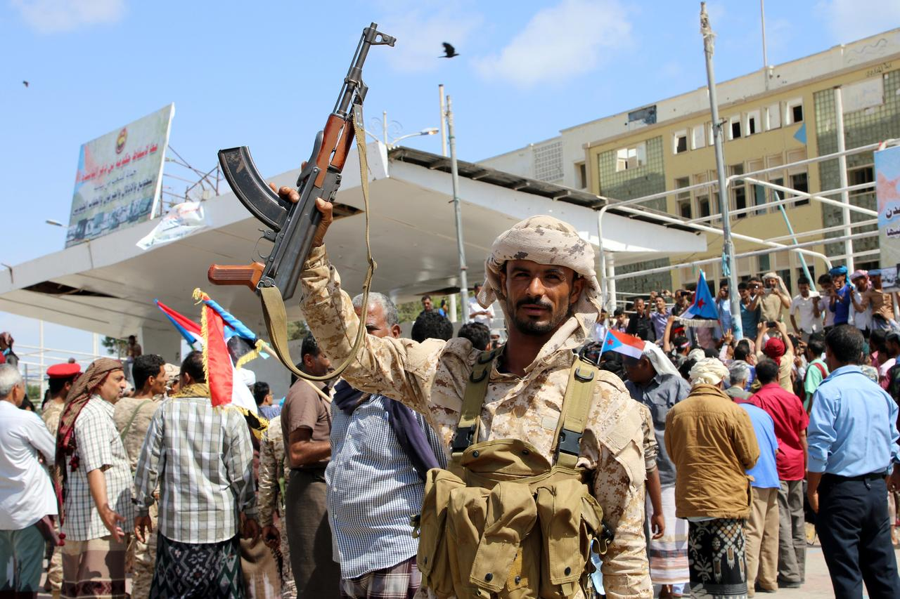 south yemen clashes abate as separatists cede bases reuters