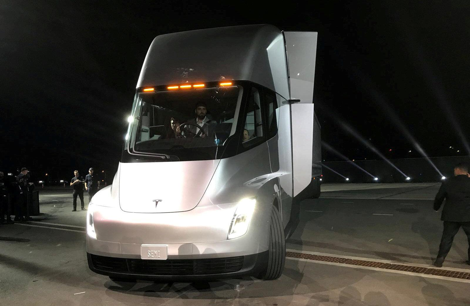 Exclusive: How Tesla's first truck charging stations will be