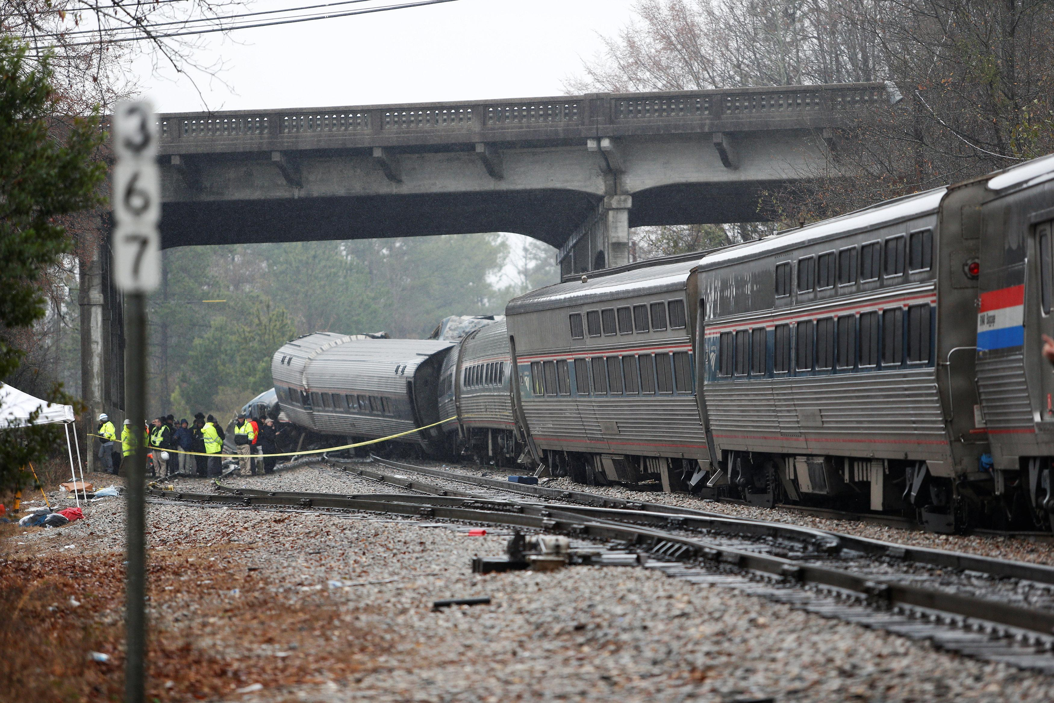 Two dead, more than 100 injured in Amtrak crash in South ...