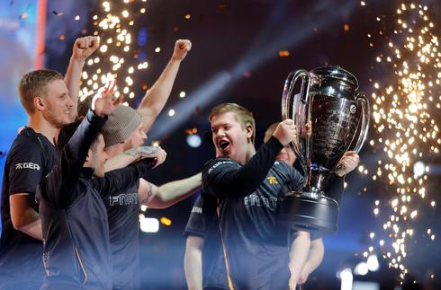 Inside the Extreme Masters of eSports