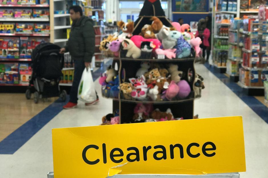 Toys R Us Seeks To Halt Vendor Payments Ahead Of Liquidation Reuters