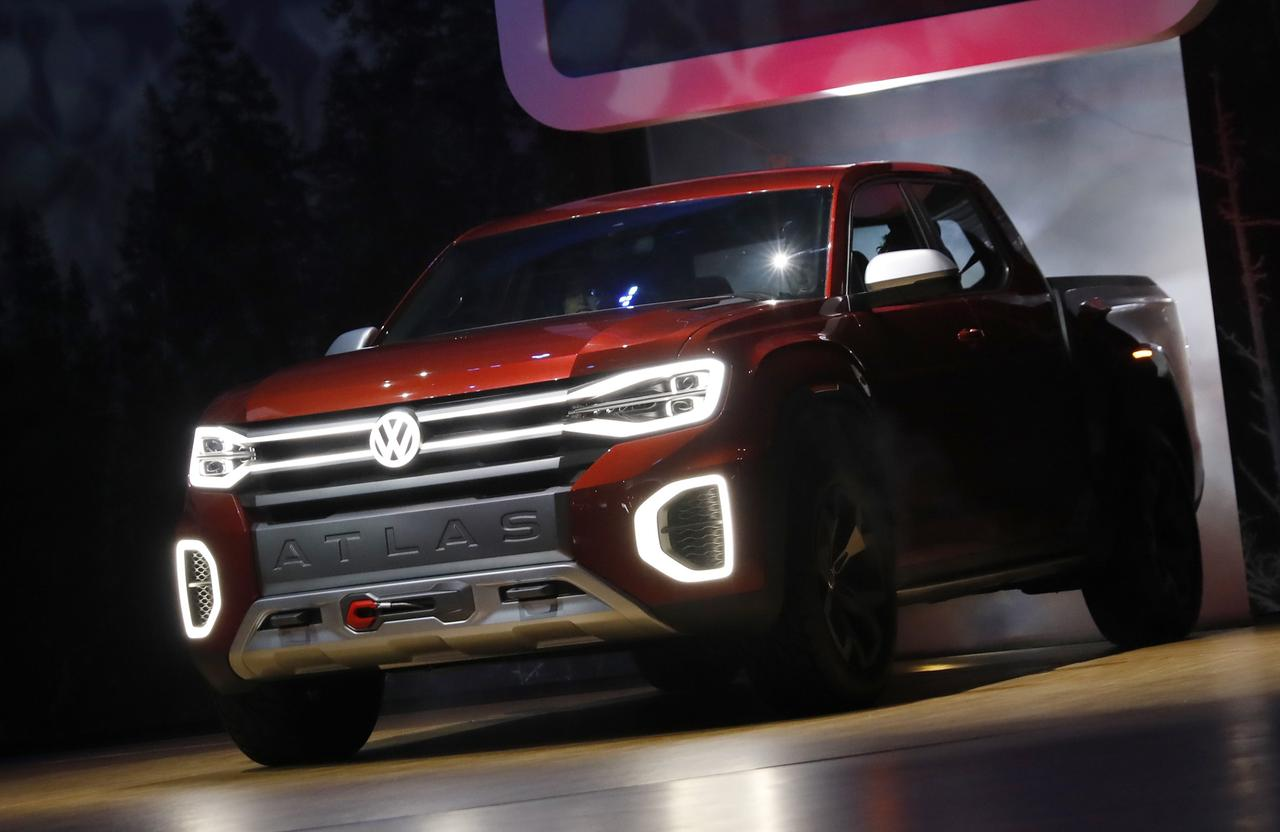 Volkswagen Unveils Concept Pickup Truck At New York Auto Show Reuters - Car show 2018 nyc