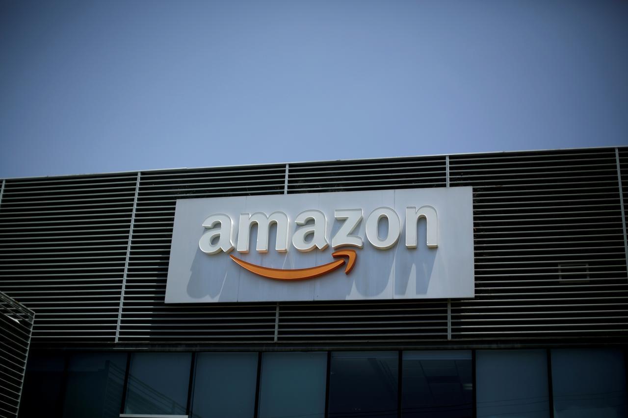 4月3日、トランプ米大統領は、自国政府がネット通販大手のアマゾン・ドット・コムに補助金を支給している状態で、配送料負担を増やす必要があるとの認識を表明した(2018年 ロイター/Juan Carlos Ulate)