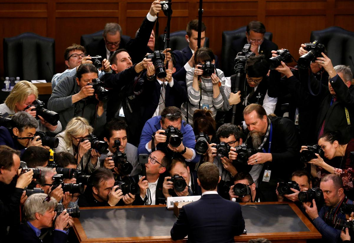 99653852ac2 SAN FRANCISCO/WASHINGTON (Reuters) - Facebook Inc Chief Executive Mark  Zuckerberg returns to Capitol Hill on Wednesday for more questioning by  lawmakers who ...