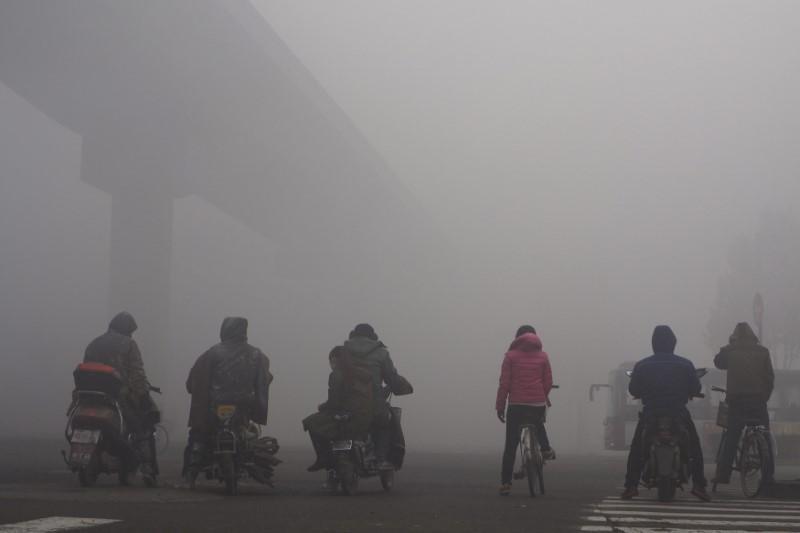 中国石家荘の大気汚染対策、火葬場や公衆トイレも規制対象に