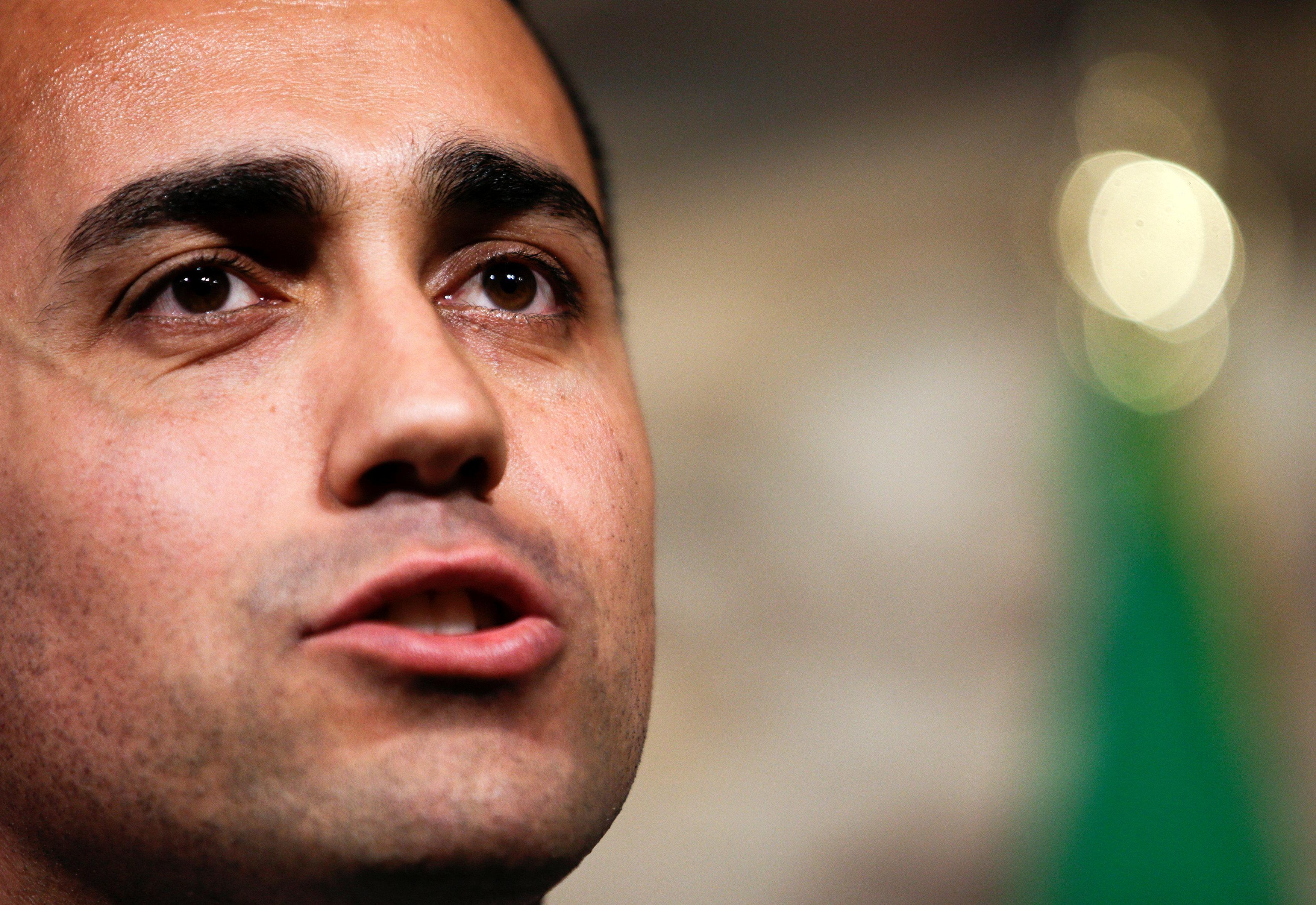 El líder de cinco estrellas de Italia dice que necesita más tiempo para finalizar el acuerdo con el gobierno