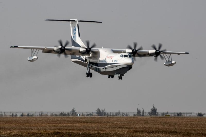 China to deliver world's largest amphibious aircraft by 2022: Xinhua