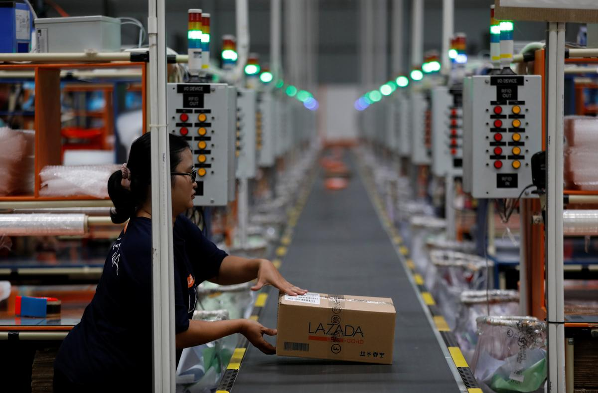 China tech giants bet on untangling logistics of