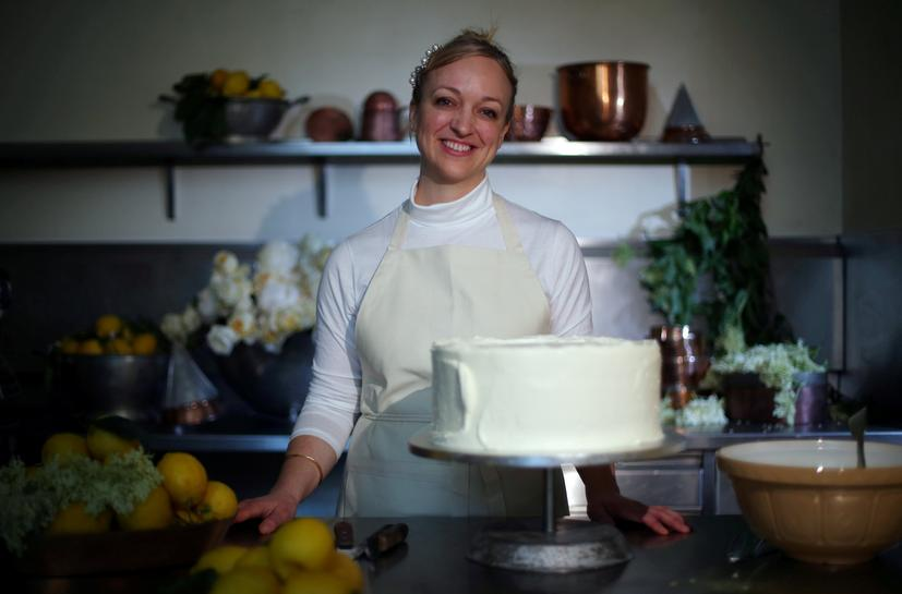 harry and meghan s cake will break with tradition says royal wedding baker reuters tradition says royal wedding baker
