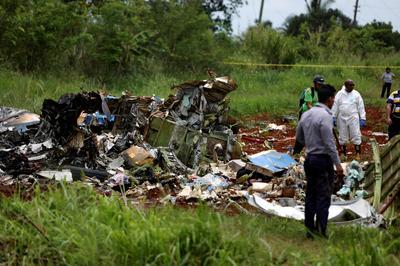 Fiery plane crash in Cuba