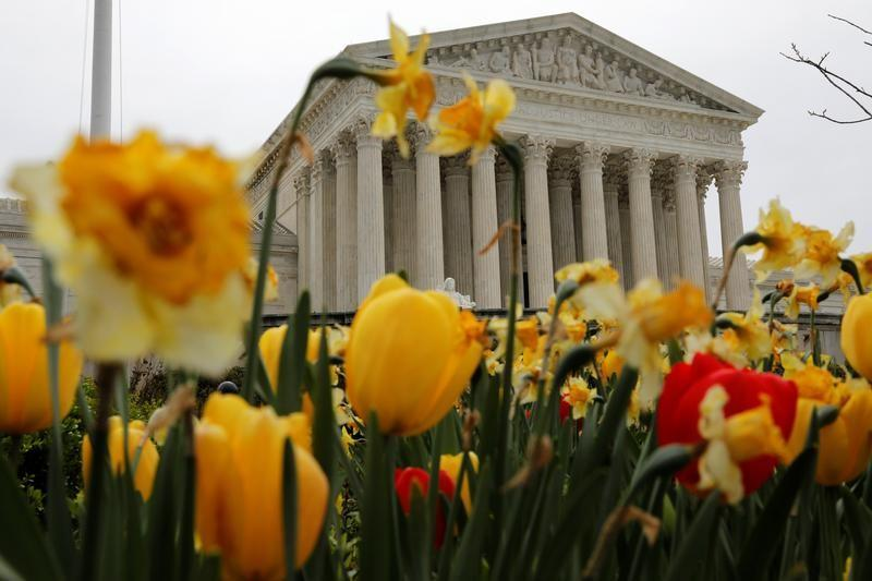 U.S. top court lets states force online retailers to collect sales tax
