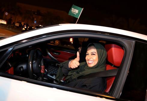 Saudi women hit the road