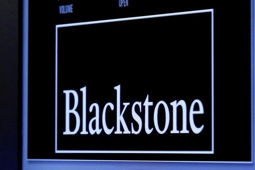 Blackstone selling two jumbo loans for F&R buyout - Reuters