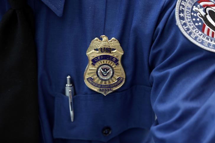 TSA screeners win immunity from flier abuse claims: U.S. appeals court