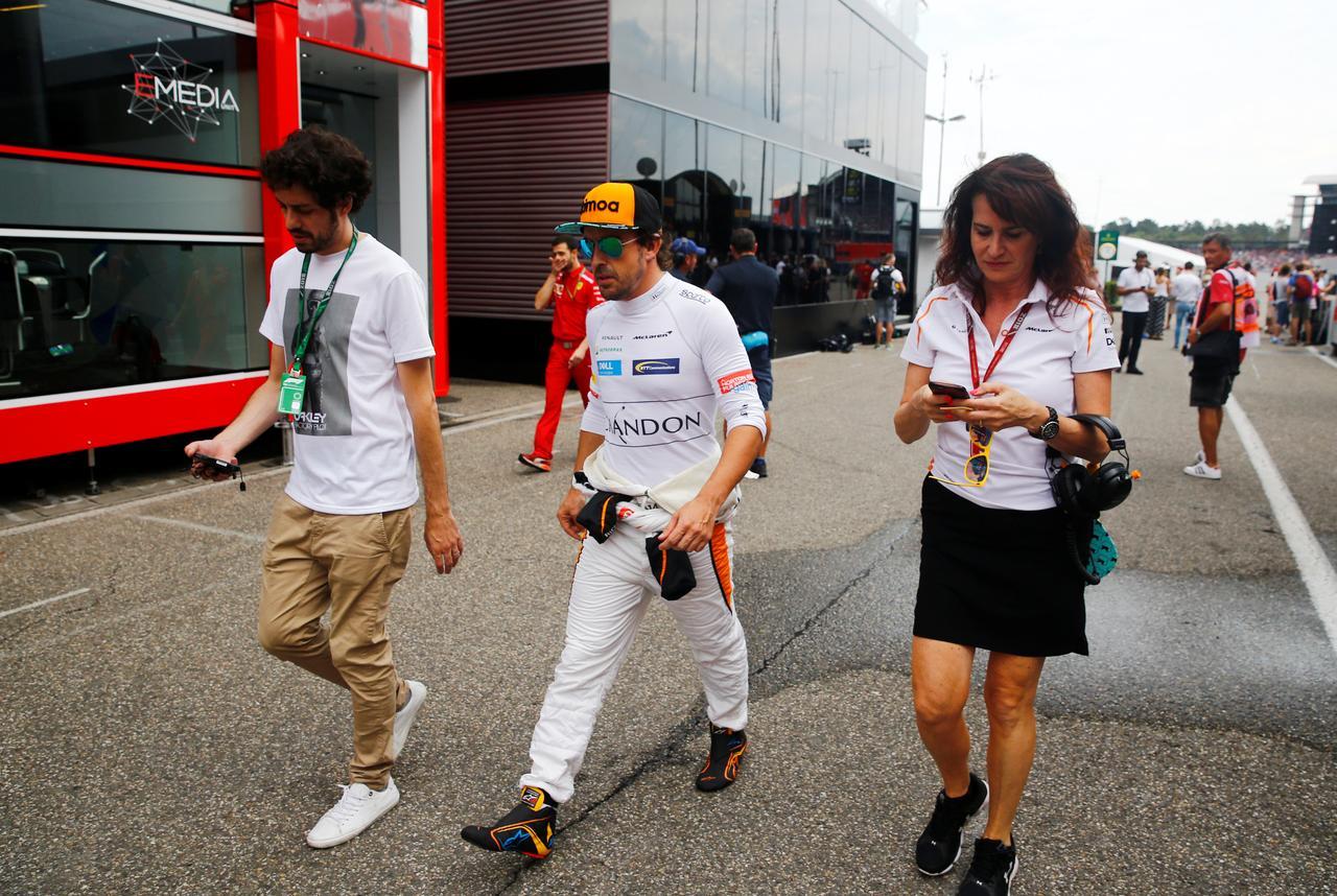cc9ddabf0037d Motor racing  Alonso speaks up for struggling McLaren team mate ...