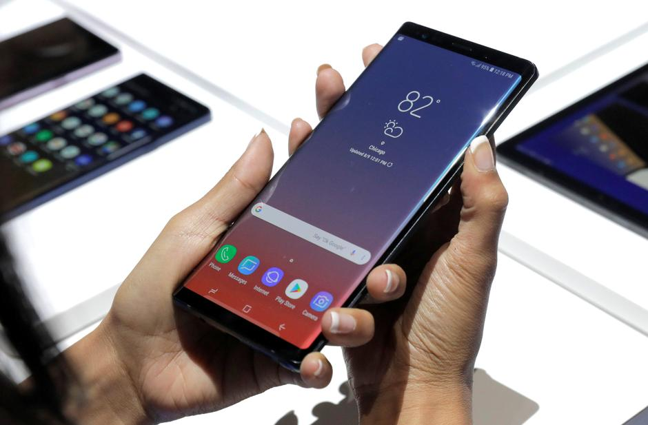 Samsung eyes young buyers with gaming, music-friendly Galaxy