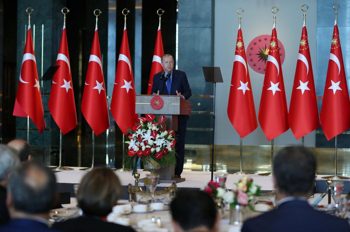 Erdogan vows action against 'economic terrorists' over lira plunge | Reuters
