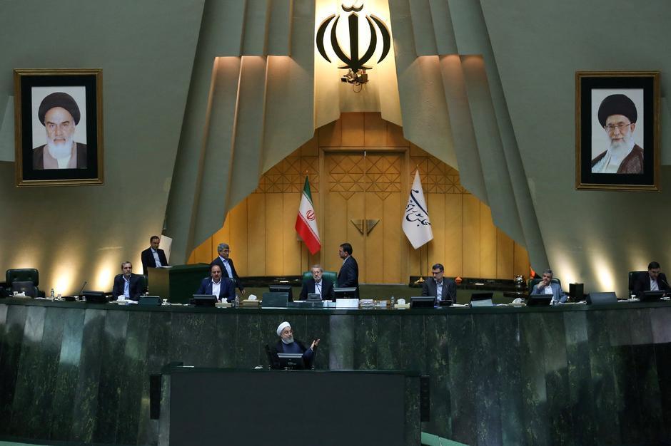 """Résultat de recherche d'images pour """"Iran's parliament blames Rouhani for economic troubles, refers him to judiciary"""""""