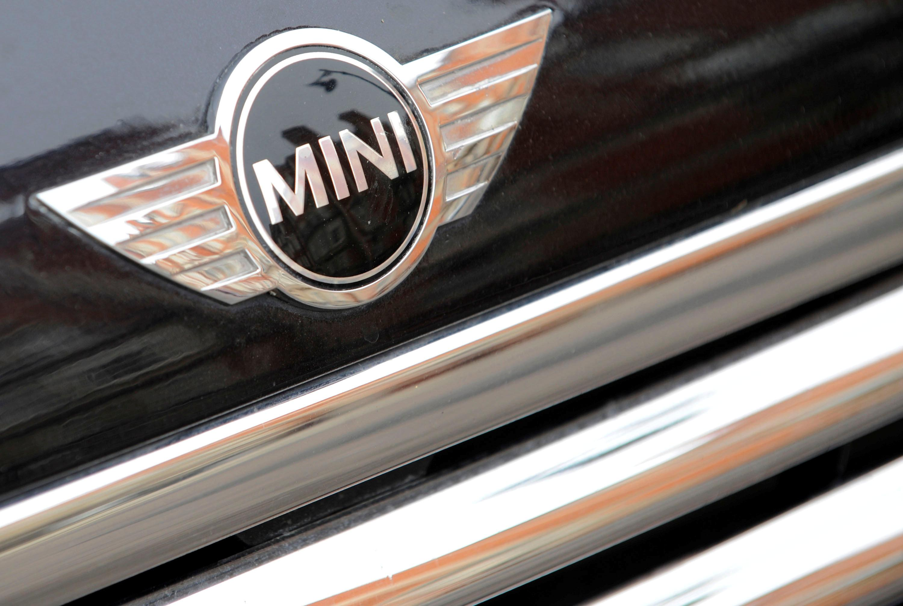 Bmw Moves Uk Mini Plant Shutdown To Just After Brexit In Case Of No