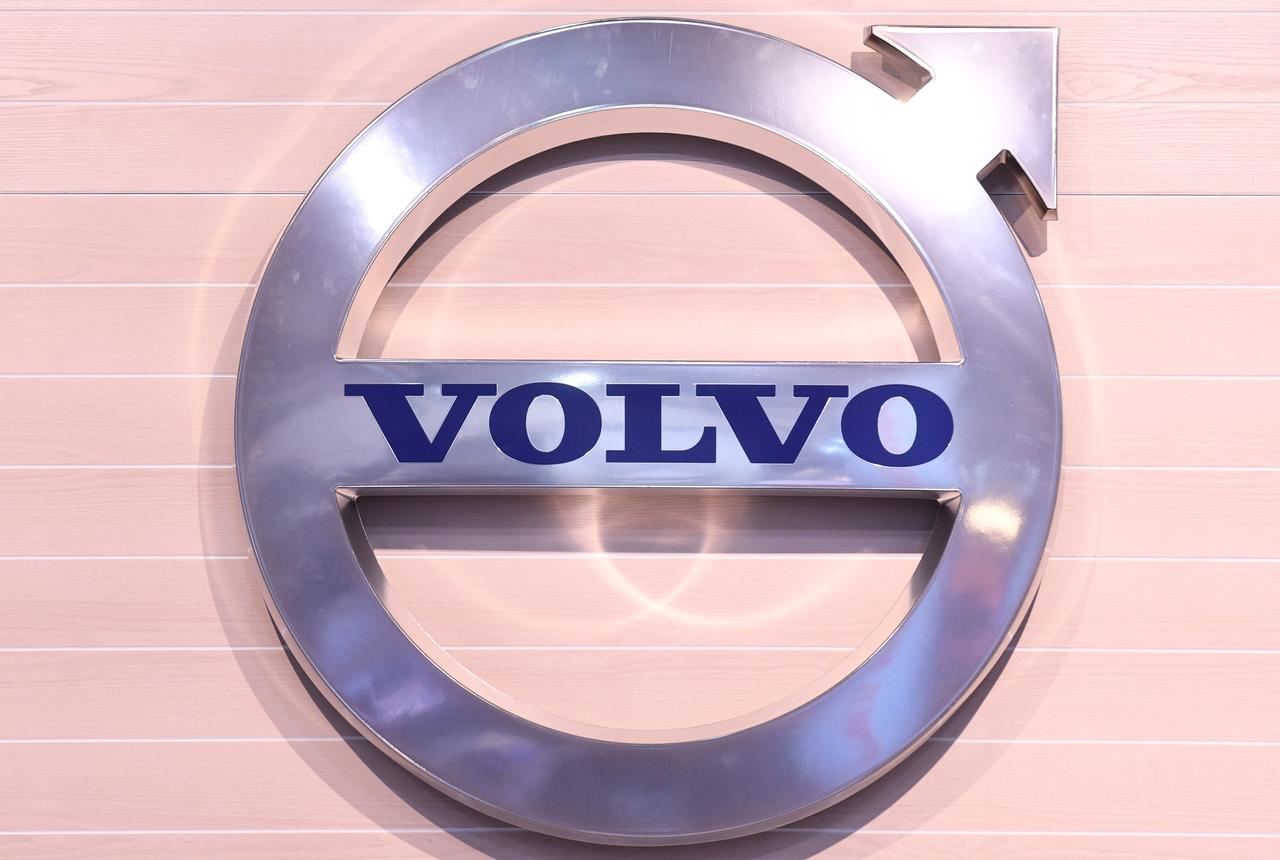 Volvo Halts Iran Truck Assembly Due To U S Sanctions Reuters