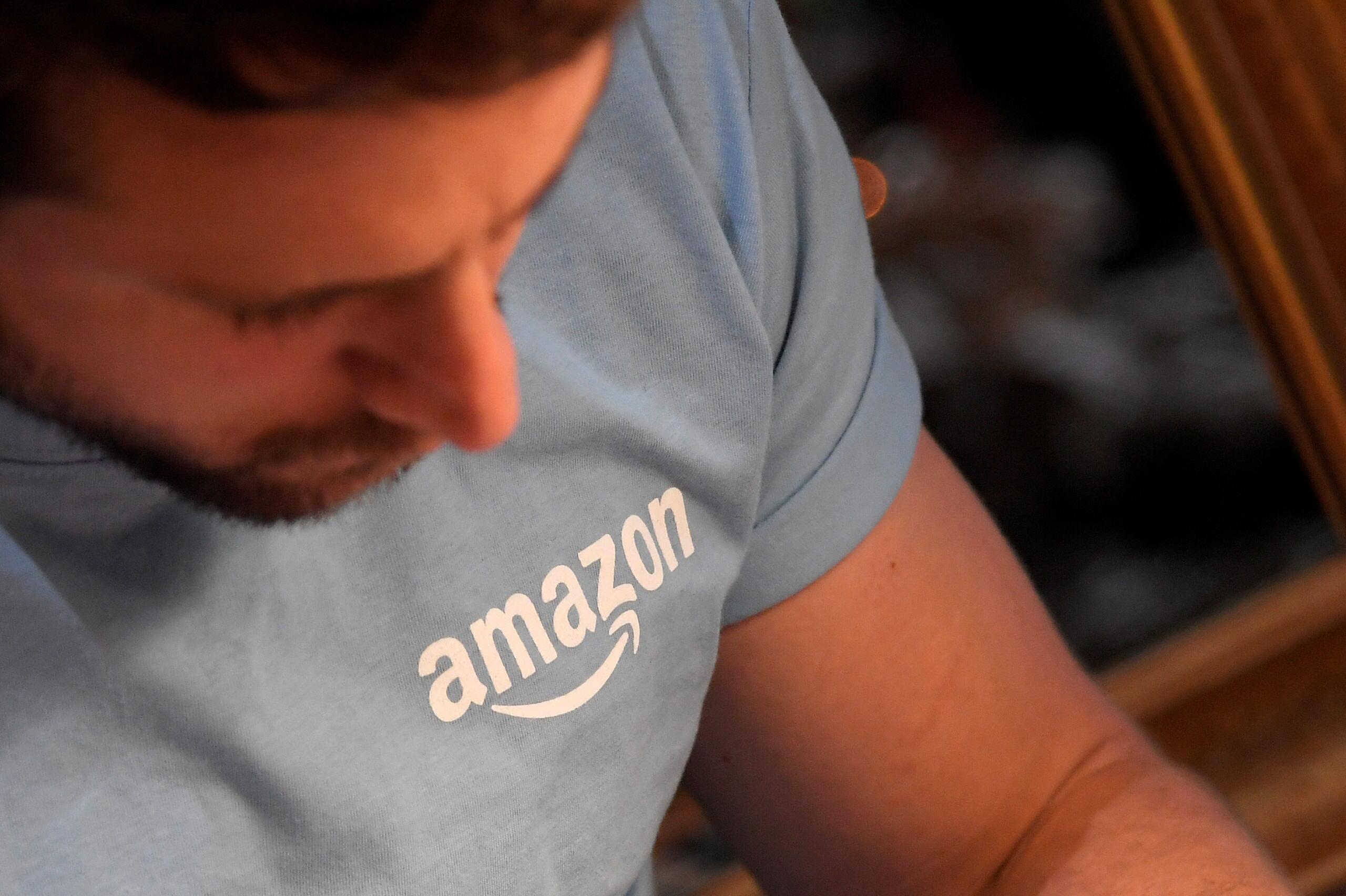 Amazon raises minimum wage rates in Britain