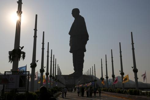 India opens world's tallest statue