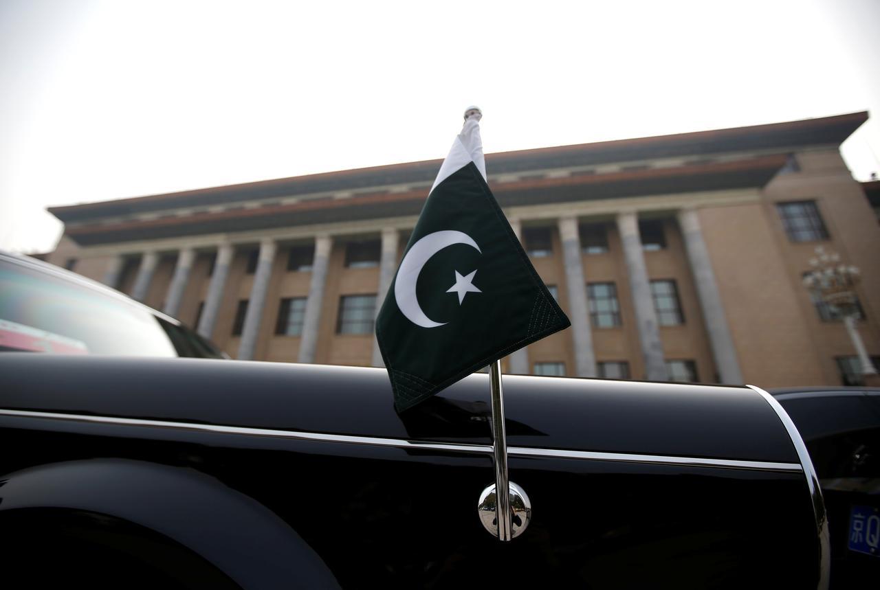 On eve of IMF talks, Pakistan's finance minister says