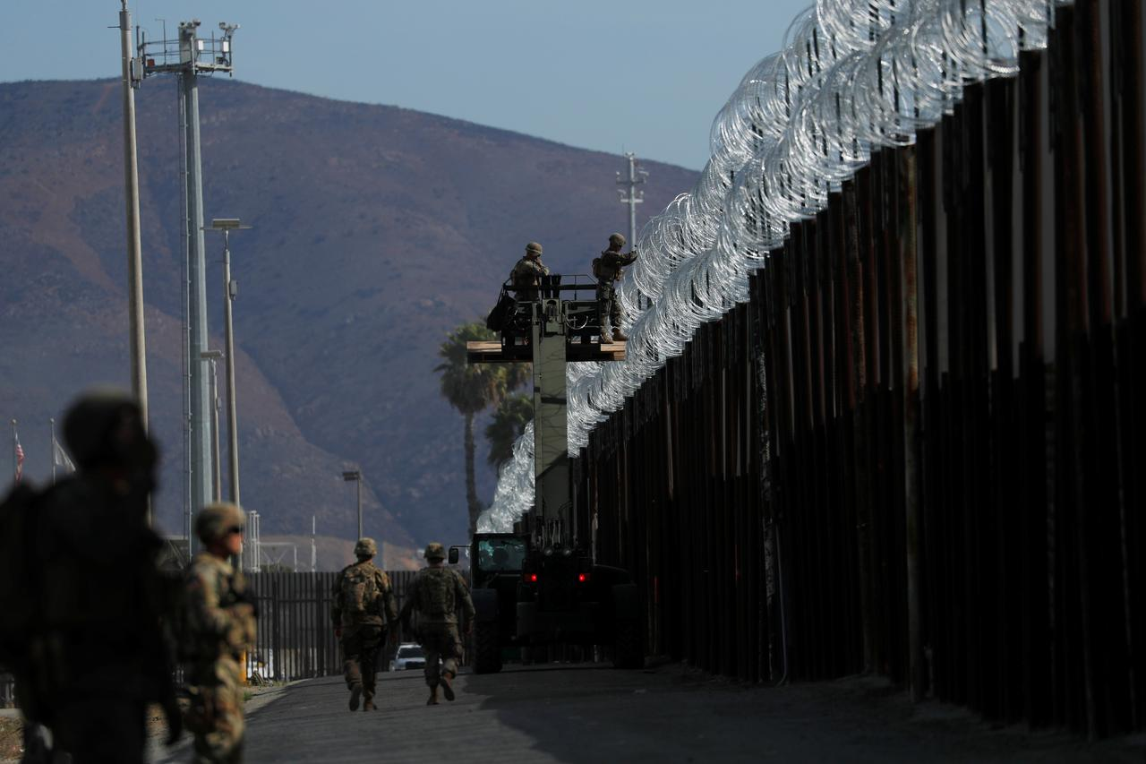 captain says u s military does not view central american migrants