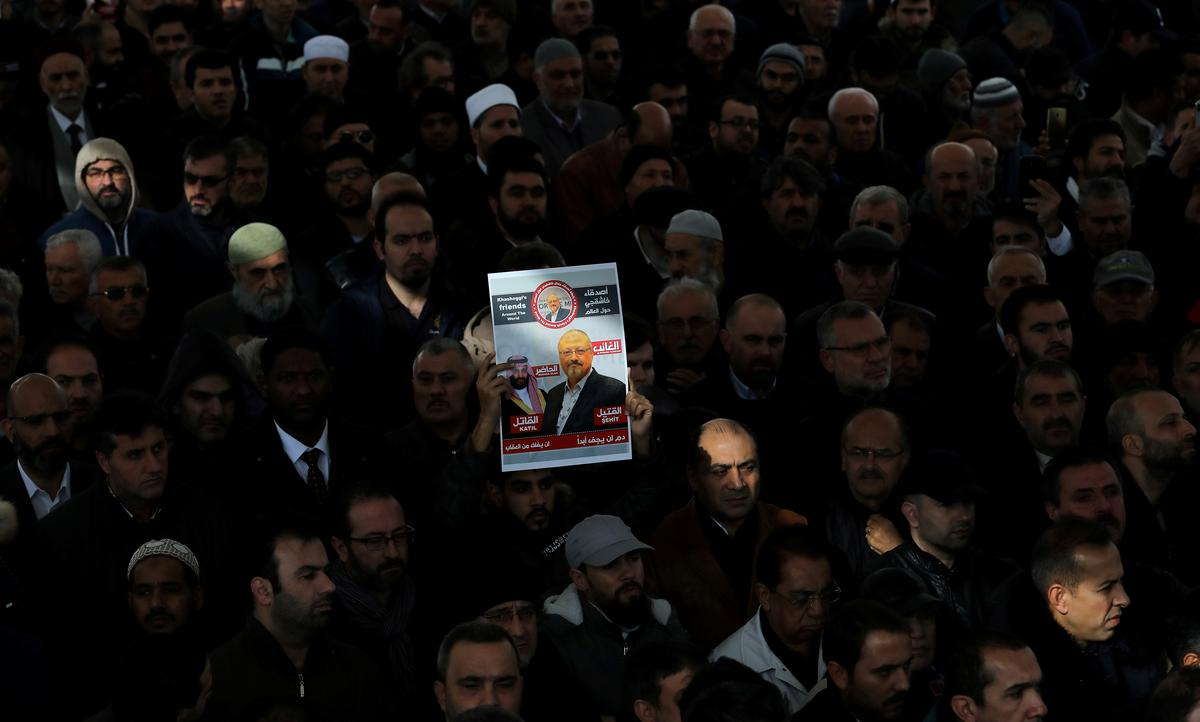 Loved ones mourn Khashoggi after Riyadh seeks to execute five suspects