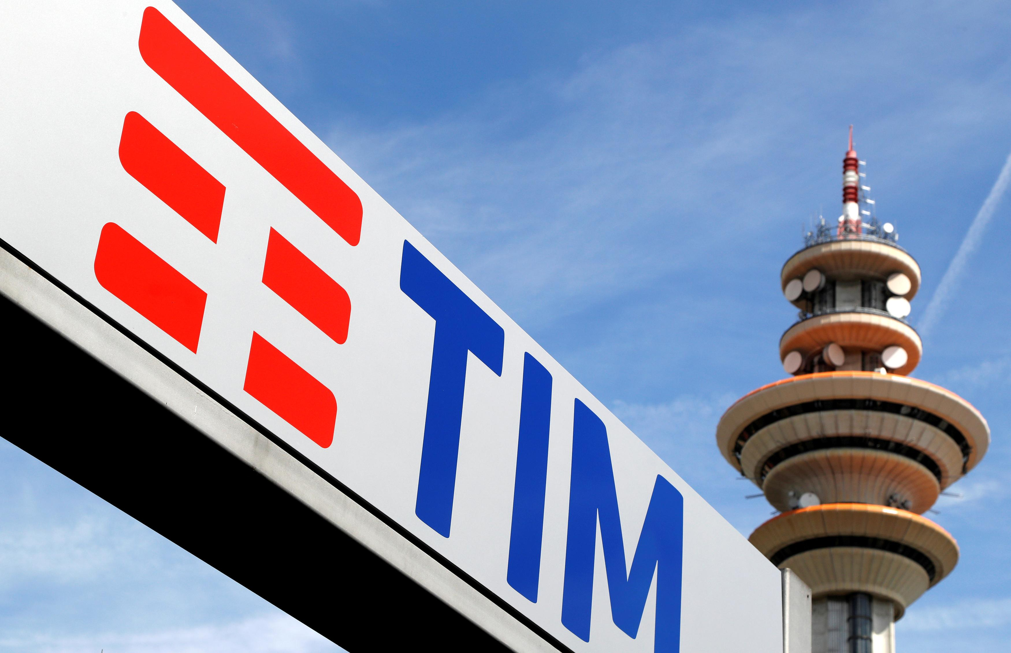 Telecom Italia new logo is seen at the headquarter in Rozzano neighbourhood of Milan, Italy, May 25, 2016.    Stefano Rellandini