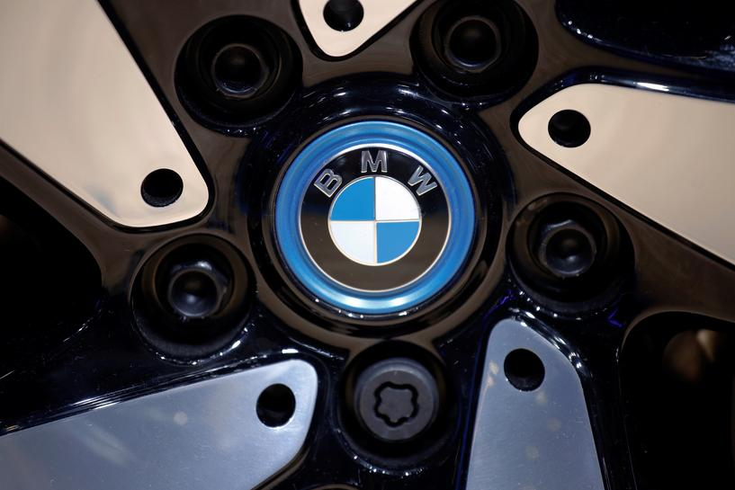reuters.com - Reuters Editorial - BMW to offer ride hailing services in China from December