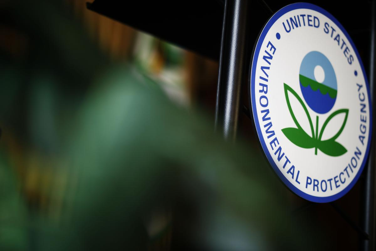 EPA to roll back carbon rule on new coal plants