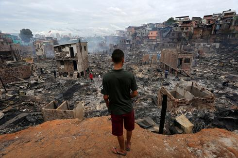 Fire engulfs 600 stilt homes in Brazil