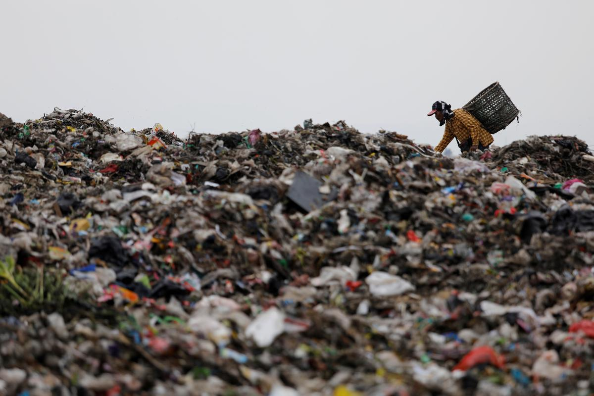 In Indonesia, splits emerge over efforts to stem plastic