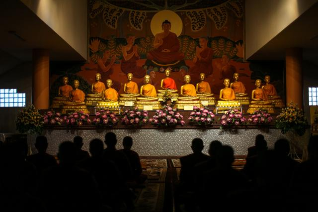 Thailand's rebel female Buddhist monks defy tradition - Reuters