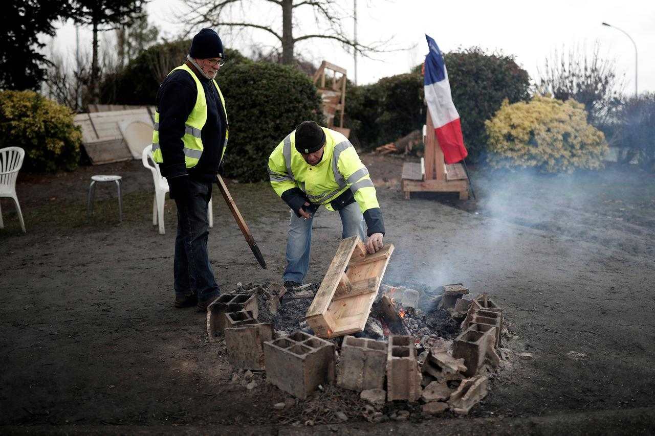 Macron hopes debate can quell French unrest  So did Louis