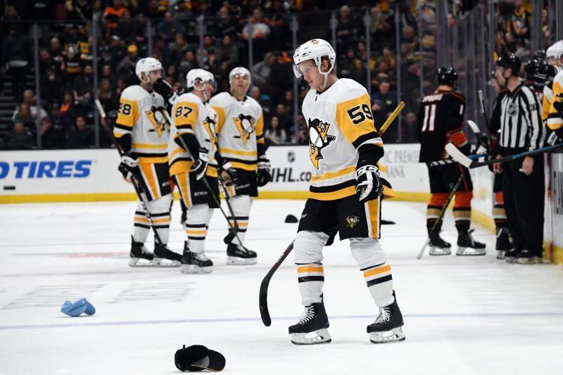 NHL roundup: Penguins rally past Ducks