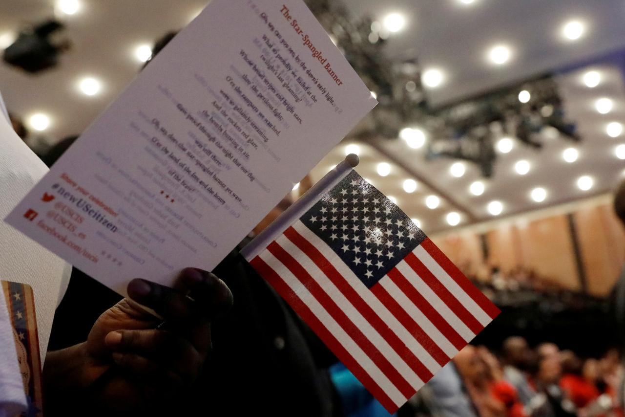Congressional Democrats move to stop U S  Census citizenship