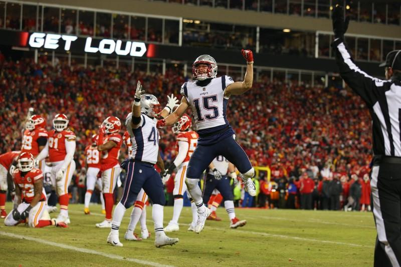 Patriots beat Chiefs to join Rams in Super Bowl
