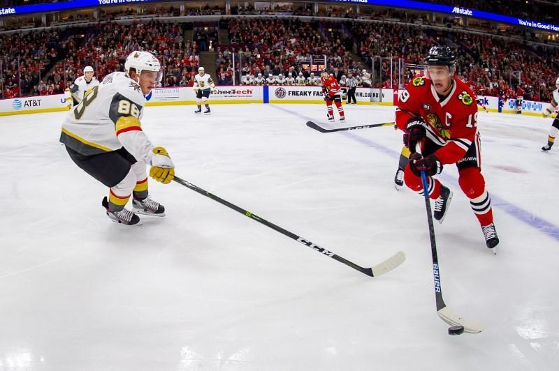 NHL roundup: Toews notches hat trick as Blackhawks crush Capitals