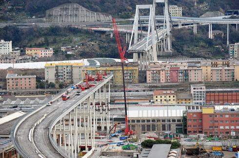 Demolishing Genoa's collapsed bridge