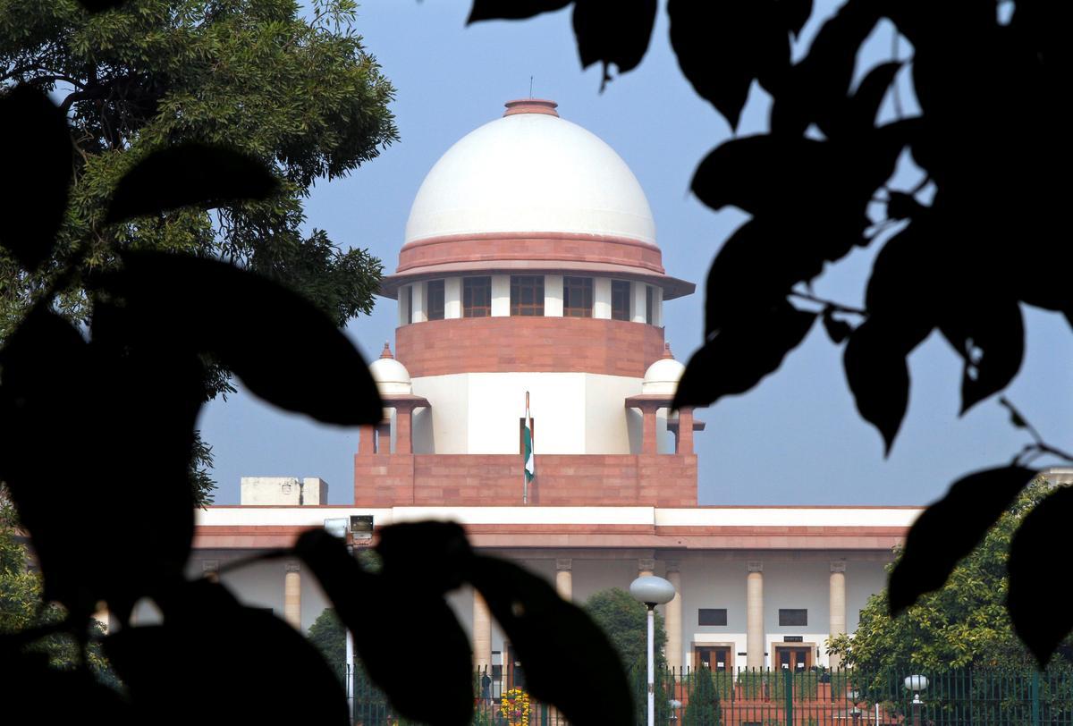 'Sit in one corner': Supreme Court tells former CBI chief