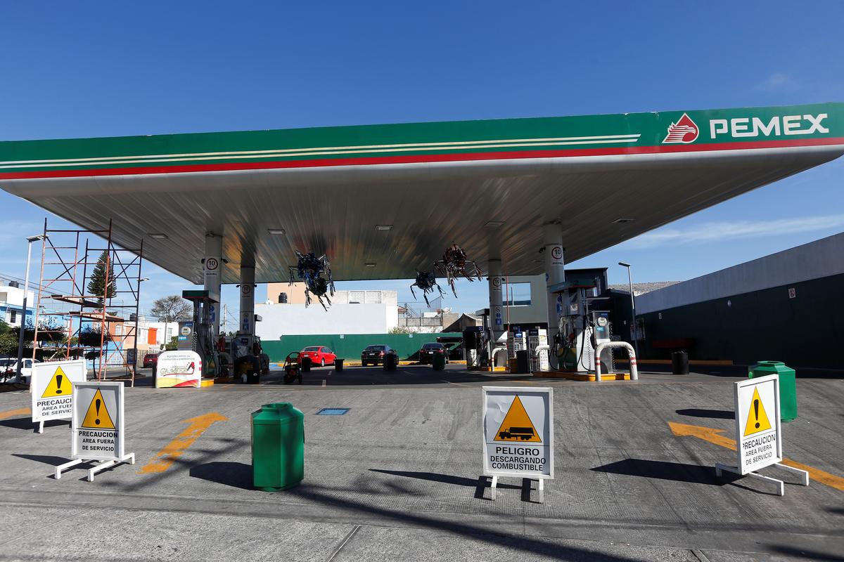Mexico to pump $3.6 billion to relieve ailing Pemex, more if needed