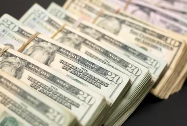 焦点:外资12月净出售美国公债规模创下纪录高位--数据