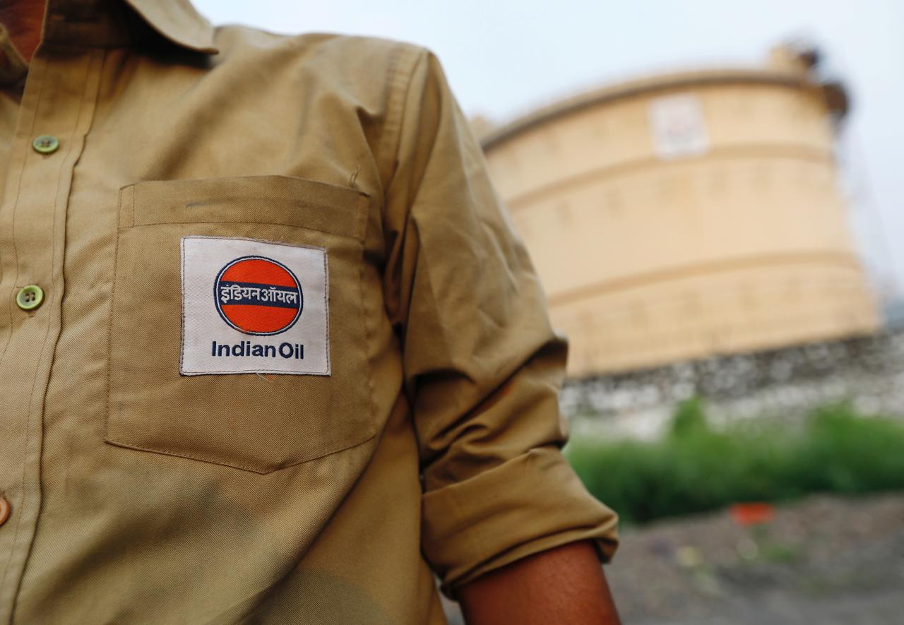 Indian Oil signs first annual deal for U S  oil - Reuters