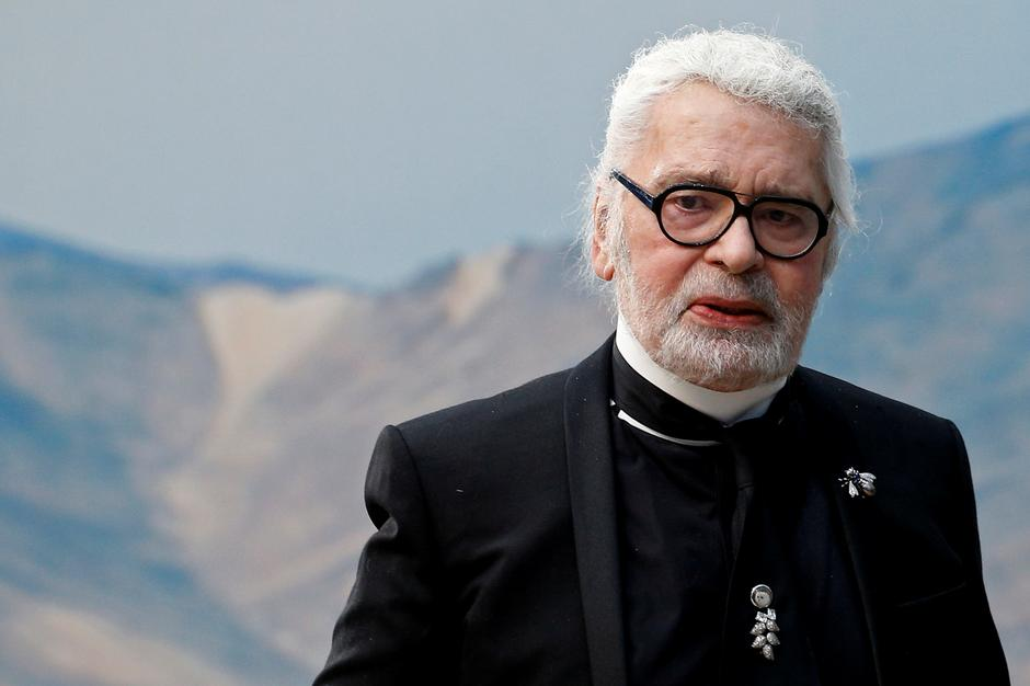 Karl Lagerfeld Fashion S Prolific Commander In Chief Reuters