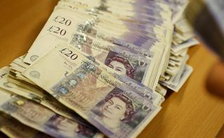 Sterling Weakens After Uk Lawmakers Quit Pm May S Party Over Brexit