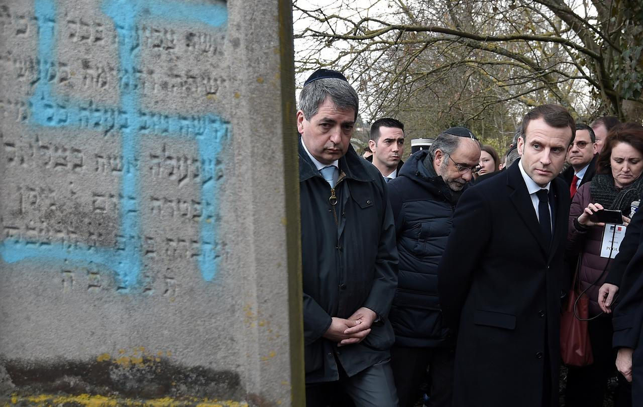 French TV cuts Facebook live feed from Jewish cemetery after