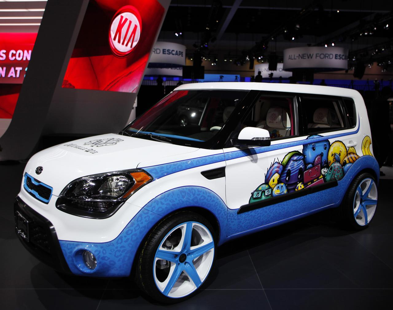 Kia, Hyundai expand U S  engine fire recalls by 534,000 vehicles