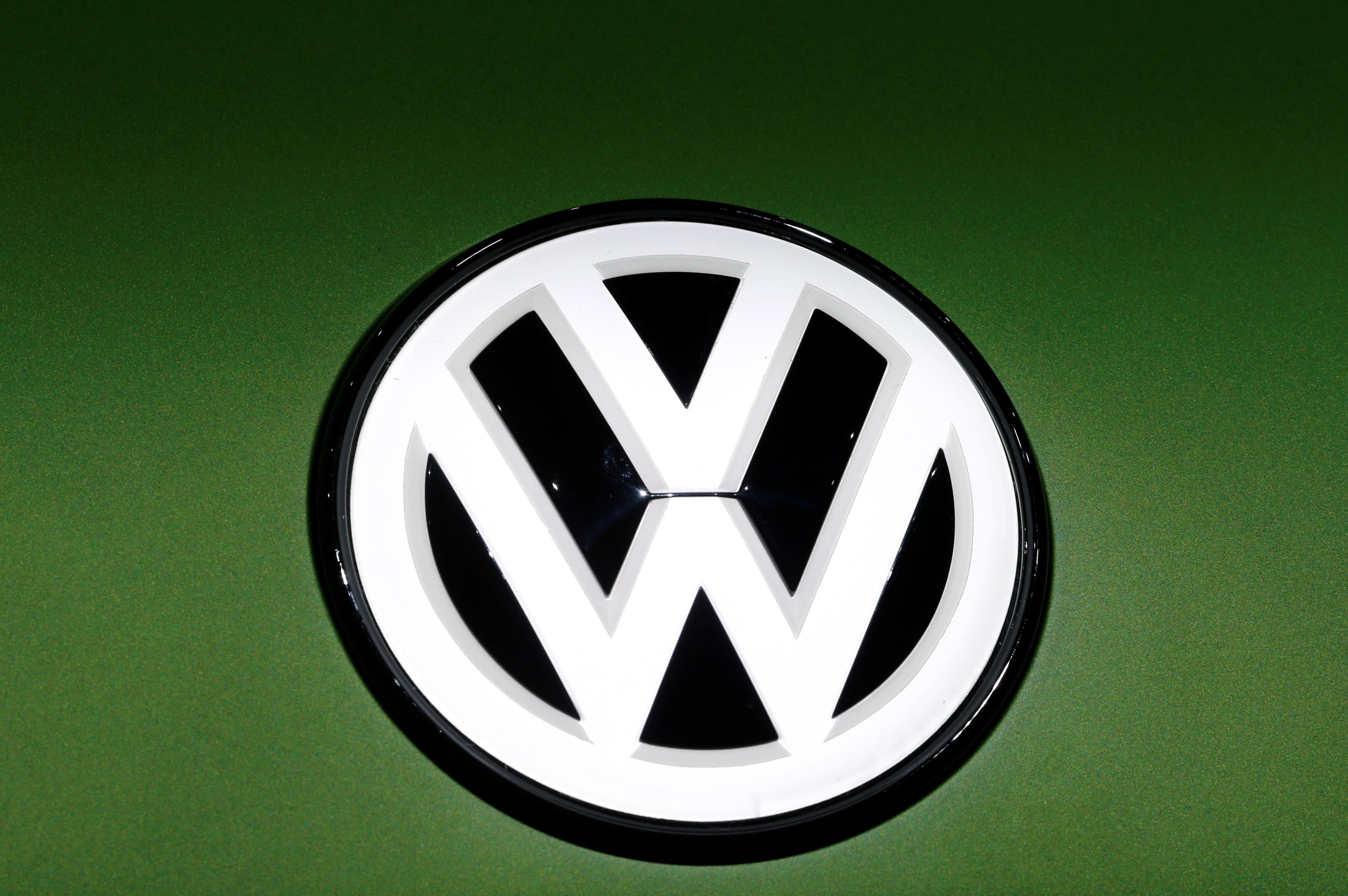 flipboard volkswagen northvolt  join forces  battery research